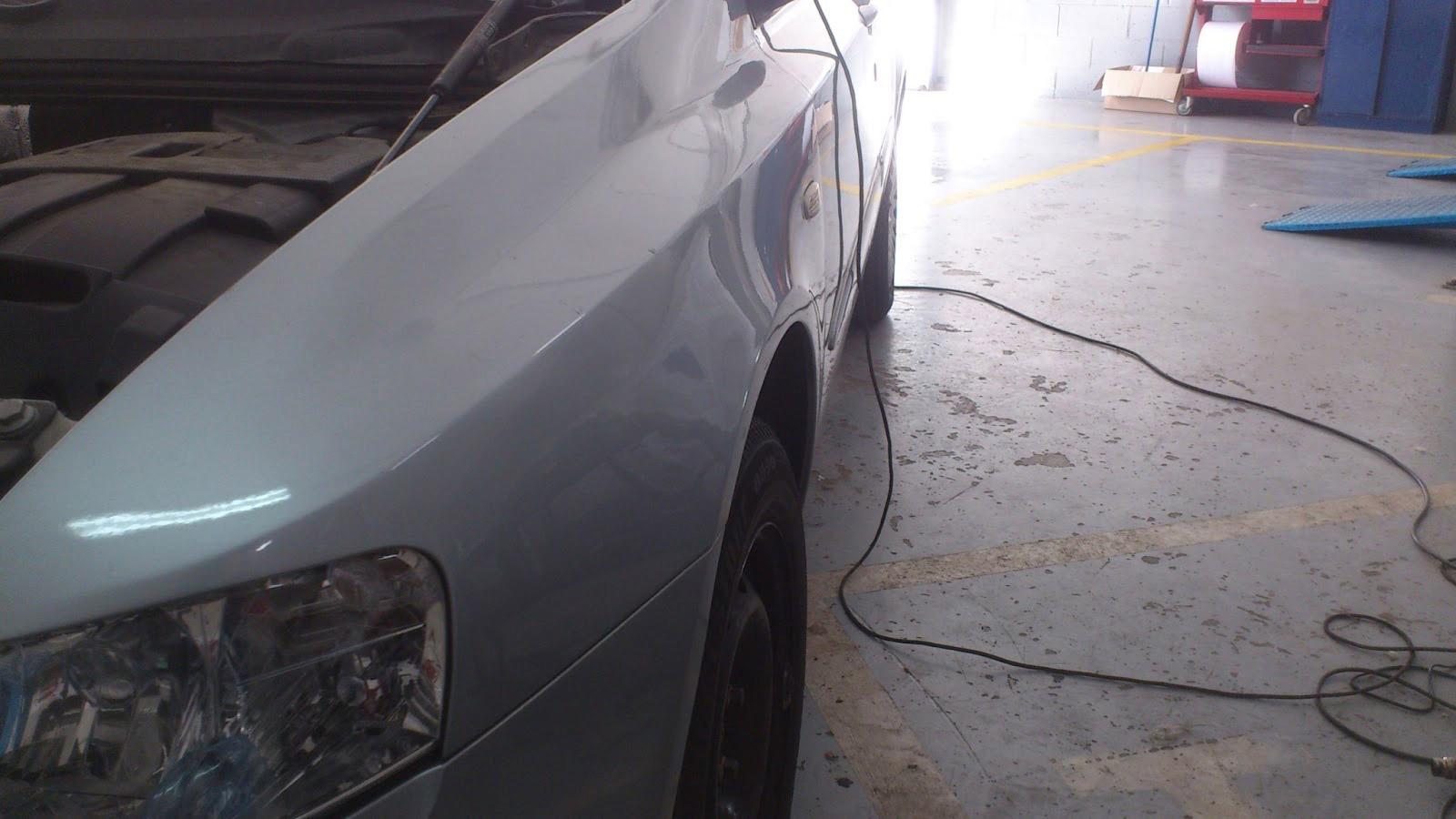 Ejemplos de cómo es posible sacar golpes en coches sin necesidad de pintar